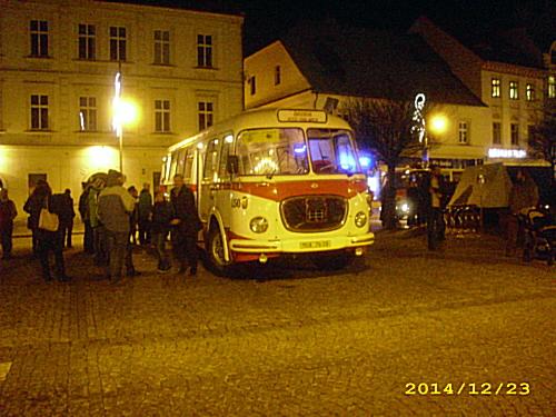 Betlémský autobus na náměstí 1. máje v Chomutově